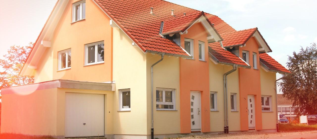 Zweifamilienhaus mit Garage